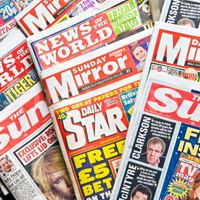6 titulares sexistas de tabloides, con menos sexismo y aliñados con mucho humor