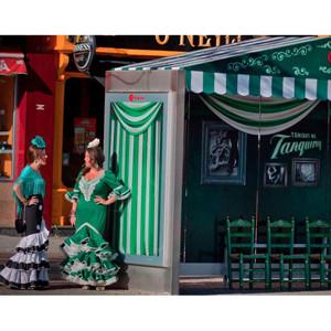 Tanqueray, de la mano de Posterscope y Carat, irrumpe en la feria de Sevilla con su Setting the Tone