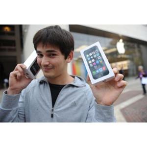 Casi todos quieren que el iPhone pegue el estirón y algunos pagarían incluso más con tal de verlo crecer