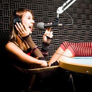 Radio al desnudo. Los profesionales del medio muestran las virtudes y