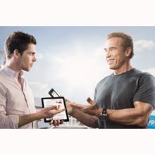 Arnold Schwarzenegger se hace el tonto en una campaña australiana, ¿o era austríaca?