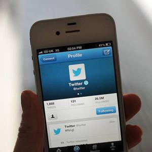 Twitter está eliminando cuentas que muestran imágenes del periodista decapitado
