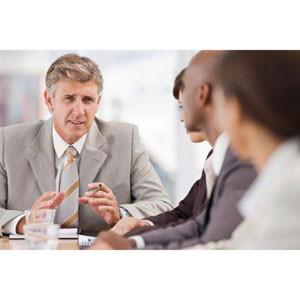 El 96% de los CEOs son hombres y con estudios superiores