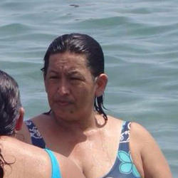 """Una foto de """"la doble"""" de Hugo Chávez incendia las redes sociales"""