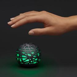 Una bola, un sensor y una app prometen ayudarle a dormir como lirón