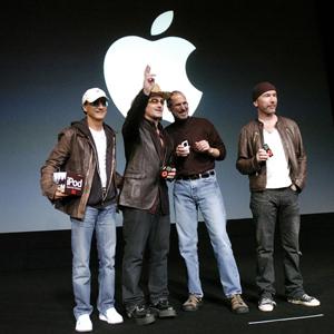 """Apple pagó 100 millones de dólares a U2 por """"regalar"""" su disco"""