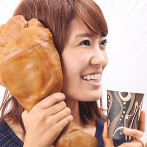 """KFC """"empacha"""" a los japoneses con """"alta"""" tecnología con forma de muslo de pollo"""