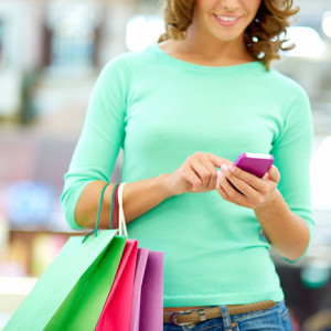 El teléfono móvil, indispensable para planificar las compras para la vuelta de vacaciones