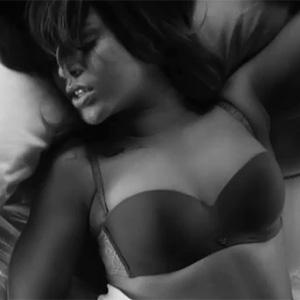 Rihanna para Armani