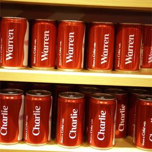 Las latas con nombres de Coca-Cola aumentan la sed del consumidor por el refresco más famoso del mundo
