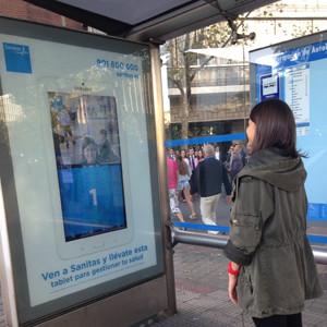 Ymedia lanza una innovadora  acción de exterior para Sanitas