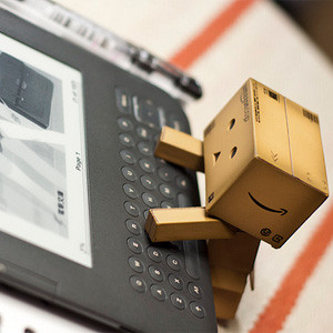 Amazon y la editorial Hachette se fuman la pipa de la paz tras meses batallando por el precio de los ebooks