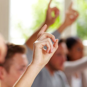 Erhobene Finger im Unterricht