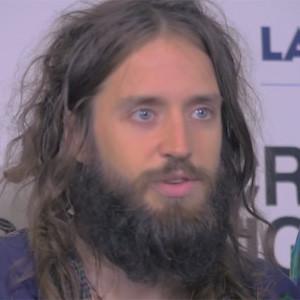 Crystal Fighters despide su gira española a lo grande con la Ducha de Nivea