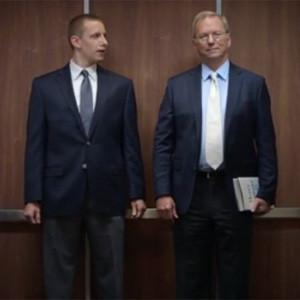 Eric Schmidt, de Google a actor del nuevo anuncio de The Economist