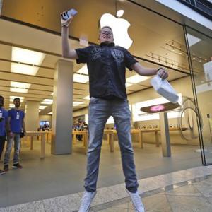 Crece la economía mundial... gracias al iPhone