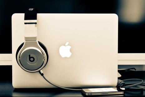 mac book beats