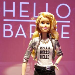 ¿Invento genial o escalofriante? Esta Barbie conectada a internet puede conversar con los niños