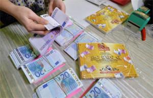 Hasbro celebra el 80º aniversario de Monopoly con sets llenos hasta los topes de billetes (reales)
