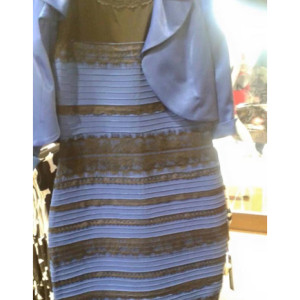 vestido negro azul dorado blanco