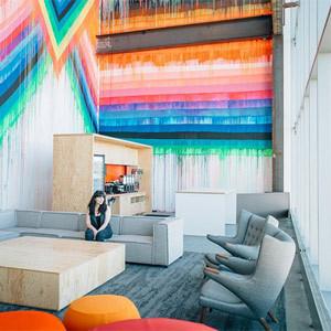 Espacio abierto y sencillo: así es la nueva sede de Facebook diseñada por Frank Gehry
