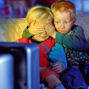 ¿Cómo consumen los niños los medios de comunicación? Estos datos van a sorprenderle