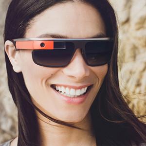 Google se asocia con el gigante de marcas de gafas como Oakley o Ray-Ban para crear unas Google Glass más atractivas