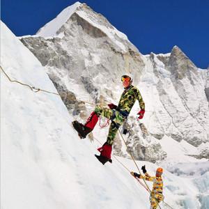 Un ejecutivo de Google, entre los fallecidos por las avalanchas en el Everest causadas por el terremoto de Nepal