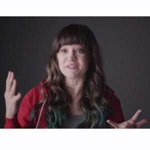 En este divertido anuncio un grupo de mujeres habla de su