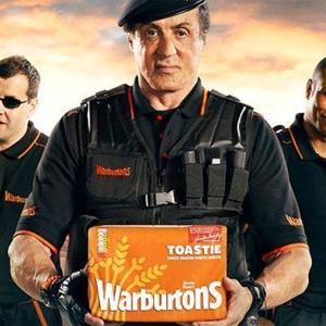"""Sylvester Stallone, de repartidor de """"galletas"""" en el cine a repartidor de pan en la publicidad"""