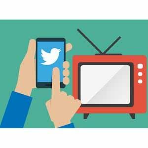 Confirmado: lo que más nos gusta hacer mientras vemos la televisión es tuitear