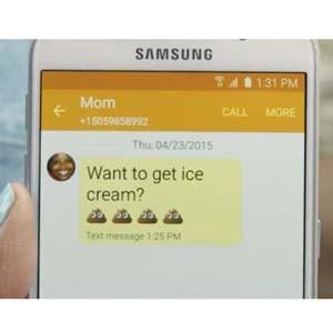 Samsung nos desvela, en un divertido anuncio, la peculiar manera que tienen nuestras madres de utilizar el WhatsApp