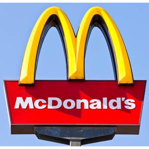El actor James Franco recuerda su pasado como trabajador de McDonald's para apoyar a la empresa