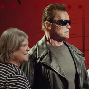 Arnold-Pranks-Fans-as-the-Terminator