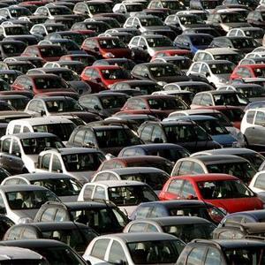 La CNMC aprieta las tuercas a 21 empresas automovilísticas con una multa récord de 171 millones