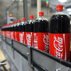 La unión hace la fuerza: Coca-Cola Iberian Partners negocia su fusión con dos embotelladoras europeas