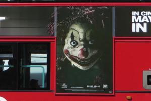 A pesar de las 74 quejas, el terrorífico payaso de Poltergeist seguirá anunciándose en Inglaterra