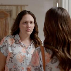 """Regordete e irascible: así es el alter ego menstrual de las mujeres en este """"divertido"""" spot de compresas"""