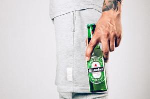 Ahora Heineken se bebe y también se viste