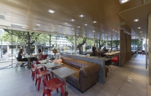 No es una Apple Store... es el nuevo (y lujoso) McDonald's de Rotterdam