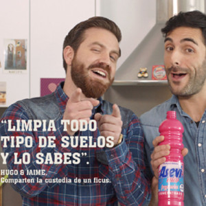 Asevi Mio, el friegasuelos que quiere limpiar los estereotipos del hogar