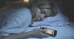 Los españoles, los más conectados: no pueden pasar más de cinco minutos sin consultar el móvil