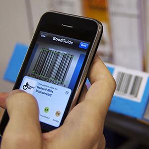 El 44% de los brasileños utiliza su móvil para comparar productos cuando acuden a una tienda