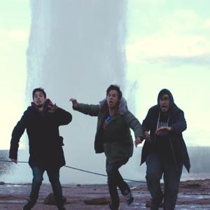 Tres youtubers logran cocinar por primera vez un Hot Dog en un géiser islandés