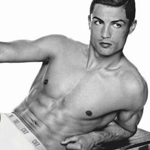No es el fútbol lo que infla las arcas de Cristiano Ronaldo, sino sus opulentos contratos publicitarios