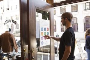 Google crea carteles interactivos