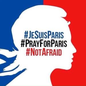 Las dos caras de la tragedia de París en hashtags