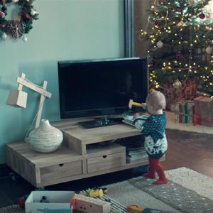 En este grandioso spot de Samsung hay muchos palos y todos se los llevan los televisores