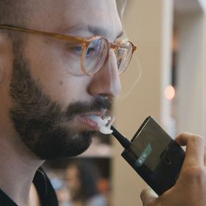 Jupiter-IO-smartphone