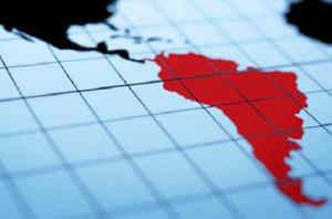 Los latinoamericanos son los internautas que más tiempo pasan en redes sociales